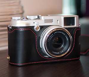 Genuine Real Leather Camera Half Case Black for Fuji X100s X100