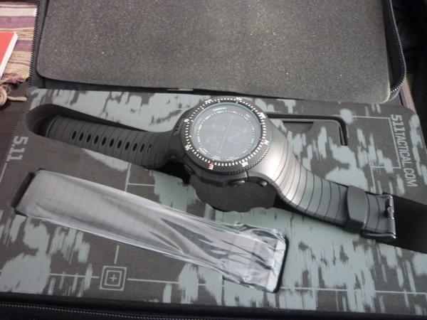 Watch 5.11 Field Ops Watch, warna Black New